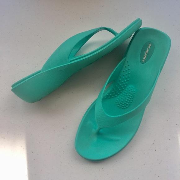 4ab9ca33aa6cb2 Okabashi Mint Green Wedge Heel Flip Flops Size L